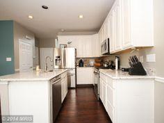 Kitchen photo 1. Paint too