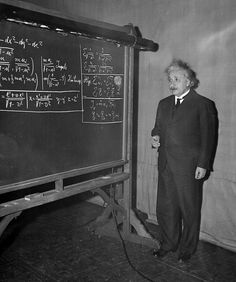 Was Albert Einstein really a bad student who failed math? Science Fiction, Science Art, Einsteins Riddle Answer, Algebra, Laws Of Mathematics, Philosophy Of Science, E Mc2, Nobel Peace Prize, Albert Einstein Quotes