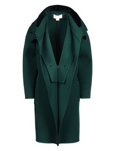 Fashion editors and high fashion models style pictures at Paris Fashion Week. Shop the look of fashion editors and models and the runway collections. High Fashion Models, Antonio Berardi, Green Coat, Coats For Women, Casual Looks, Work Wear, Autumn Fashion, Clothes, Jackets