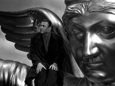 Five visual themes in Wings of Desire – Wim Wenders' immortal film about watching