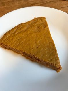 This Weight Watchers Crustless Pumpkin Pie is just 4 smart points for the WHOLE pie. Enjoy all the pumpkin pie flavors you love, guilt free.