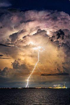 Thunder strike, storm, beauty of Nature, lightning Image Nature, All Nature, Amazing Nature, Science Nature, Beautiful Sky, Beautiful World, Nature Pictures, Cool Pictures, Thunder And Lightning