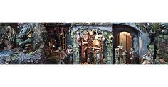 Presepi e Pastori    Presepe realizzato a mano con materiali di alta qualità.  Le case, ogn'una con i propri decori sono realizzate anch'esse singolarmente a mano, le tegole dei tetti sono in terracotta, tutto ciò va a dimostrazione del fatto che noinon usiamo prodotti prestampati, ma ogni cosa...