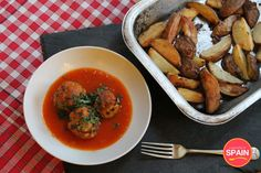 Spanish Meatballs (Albóndigas en salsa)