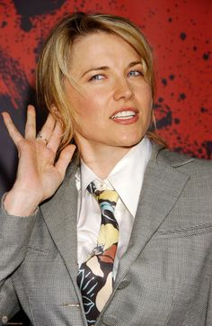 Lucy Lawless ......