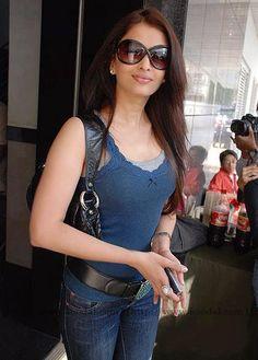 Aishwarya Rai (nar. 01.11.1973), tiež známa ako Aishwarya Rai Bachchan - je indický filmová herečka a modelka.