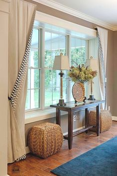 Today's bay window are anything but traditional. If you're thinking about adding them to your home, here Today's bay window are anything but traditional. If you're thinking about adding them to your home, here are some contemporary bay window ideas. Living Room Windows, Living Room Decor, Bay Window Curtains Living Room, Bedroom Blinds, Living Room With Bay Window, Curtain Ideas For Living Room, Bay Window Decor, Diy Bedroom, Living Room Valances Ideas