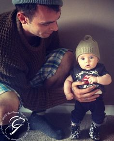 Joe Gilgun playing with costar Nathan McMullen's baby. Too much cute happening