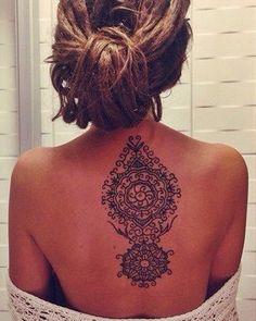 back tattoos for women spine Tattoo Girls, Cool Tattoos For Girls, Girl Back Tattoos, Back Tattoo Women, Trendy Tattoos, Popular Tattoos, Lower Back Tattoos, Female Back Tattoos, Tattoos For Men