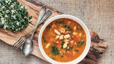Cookbook author and fitness guru Ella Magers of Sexy Fit Vegan shares her ab-flattening slow-cooker farro soup recipe.
