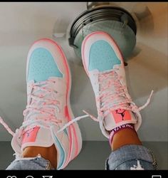 Cute Nike Shoes, Fly Shoes, Cute Nikes, Nike Air Shoes, Cute Sneakers, Shoes Sneakers, Adidas Sneakers, Jordan Shoes Girls, Girls Shoes