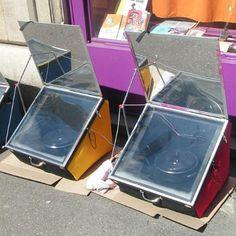 Fours solaires ULOG Light. Modeles de fours solaires ultra leger et atteignant des temperatures de 130 a 160 degres.