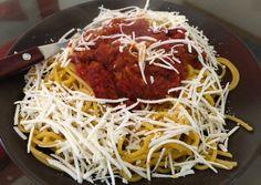 κύρια φωτογραφία συνταγής Μακαρόνια με κόκκινη σάλτσα Spaghetti, Ethnic Recipes, Food, Essen, Meals, Yemek, Noodle, Eten