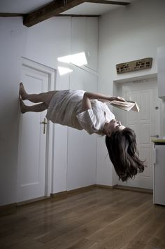 Defying Gravity Pictures – Conceptual Photography you are now leaving the room ESCAPISM