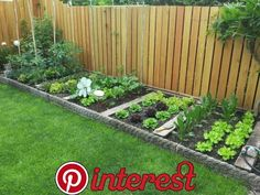 Awe Inspiring Backyard Landscaping Ideas Along Fence