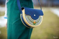 Деревянная сумка-клатч с этно-бохо мотивами Лазури — фотография №1