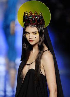 Spring 2007 Fashion Collection by Jean-Paul Gaultier. Fashion Week, Fashion Art, Runway Fashion, High Fashion, Fashion Show, Fashion Design, Jean Paul Gaultier, Madonna, Dress Dior