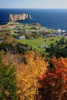Percé in autumn, Quebec, Canada / Everyone`s Creative Travel Spot Places Around The World, Oh The Places You'll Go, Places To Travel, Places To Visit, Around The Worlds, Torre Cn, Mexico Canada, Province Du Canada, Beautiful World