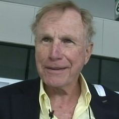 Wayne Rogers -- now 79 years-old -- was spotted at LaGuardia airport in New York looking like a life saver.