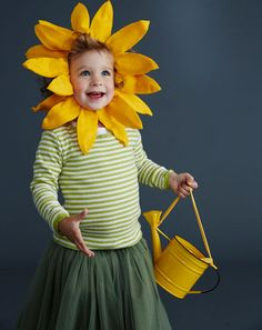 How to make a sunflower costume (with petal hat template) that can transform into a lion costume with a few tweaks #Halloween #Costume