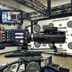 Woah - what a smooth setup. ❤️ Tag a friend who loves sweet gear 🎥 🎬 Photo by @justindombrowski #filming #setlife #filmmaker #filmmaking #inspiration #production #camera #cameraporn #lensporn #gearporn #cinematography #cinemagear #cameragear #videoproduction #filmmaking