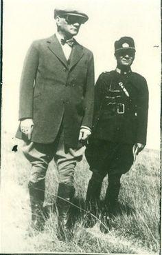 Atatürk Başyaveri Celal ile