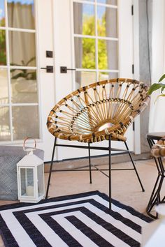 Set atop a steel base, made from authentic rattan, and lashed with synthetic cord, the Daisy looks gorgeous all year round.Photo by The Posh Home. #Rattan #BohoHome #PatioIdeas Teal Accent Chair, Accent Chairs, Round Back Dining Chairs, Office Chair Without Wheels, Rattan Furniture, High Quality Furniture, Retro Home, Modern Materials, Living Room Chairs