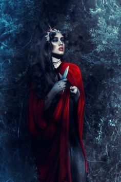 Dark Beauty, Gothic Beauty, Dark Photography, Photography Ideas, Dark Gothic, Creative Director, Fairy Tales, Stylists, Crown