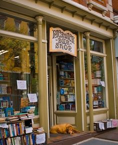 Looking for bookstore decor and display inspiration? Check out this list of cozy bookstores from around the world, including Pickwick Book Shop in Nyack, New York. I Love Books, Books To Read, Temples, Shop Fronts, Shop Around, Old Books, Book Nooks, Library Books, Reading Books