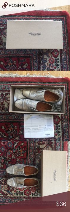 SALE 🎉 Madewell the serge oxford in silver Madewell the serge oxford in silver. Super fun and comfortable shoe good for work or play. Excellent used condition. Comes with original box and silver ties (you can wear them as slip ons or with laces). Size 6.5 Madewell Shoes