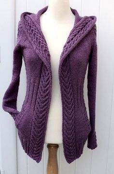 Virginie Femme pattern by Carole Francone Ravelry: Gilet Virginie Femme pattern by Carole FranconeRavelry: Gilet Virginie Femme pattern by Carole Francone Sweater Knitting Patterns, Cardigan Pattern, Knitting Designs, Knit Patterns, Knit Cardigan, Hand Knitting, Knit Fashion, Mode Style, Coats For Women
