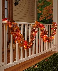 Decorate your front porch for the fall season. Here are the best fall porch decorating ideas for you which you can DIY easily and decorate your front porch. Outside Fall Decorations, Thanksgiving Decorations, Garden Decorations, Thanksgiving Ideas, Fall Home Decor, Holiday Decor, Fall Decor Outdoor, Christmas Decor, Outdoor Christmas