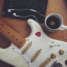 Play Music Easily With These Simple Guitar Tips. Have you had the experience of picking a guitar up and wanting to play it? Have you wondered if you have musical talent? Guitar Girl, Music Guitar, Playing Guitar, Ukulele, Guitar Chords, Funny Girl Musical, Mundo Musical, Power Chord, All The Bright Places