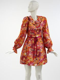 Mini dress | Designed by Paul Babb and Pamela Proctor for Twiggy Dresses, 1967-1969 | Material: printed polyester | VA Museum, London