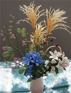 СаНата. Официальная группа форума — Картинки из тем | OK.RU French Beaded Flowers, Beads And Wire, Real Flowers, Diy And Crafts, Objects, Carving, Plants, Wire Work, Beadwork