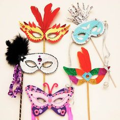 DIY Mardi Gras Mask- How To Make A Carnival Mask