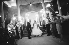 Virginia Beach Wedding at the Signature at West Neck / Bit of Ivory Photography / via @Limn & Lovely