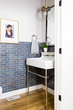 We're always on the lookout for great small bathrooms, with smart design. Here are a few of our favorite small space bathroom overhauls. Small Space Bathroom, Bathroom Design Small, White Bathroom, Small Bathrooms, Bathroom Designs, Bathroom Accents, Master Bathrooms, Master Bedroom, Apartment Therapy