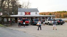 Located in the small town of Averill Park, Kay's Pizza will have your mouth watering by the time you're done reading this post. Manhattan Times Square, Lower Manhattan, New York Statue, New York Pizza, York Restaurants, Restaurant New York, Camping World, Rv Camping, Vintage New York