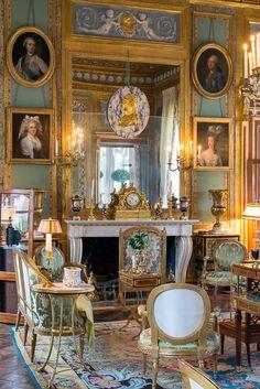 Château du Champs de Bataille, salon
