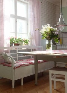 Maalaistalosta kirpparille - Home Decoration Ideas