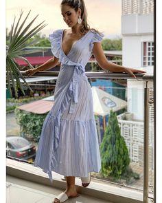 casual outfits date Abaya Fashion, Fashion Dresses, Dress Skirt, Shirt Dress, Kurta Designs Women, Frock Design, Feminine Dress, Outfit Combinations, Blue Fashion