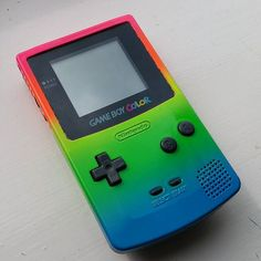 jellepelle_paint Gameboy Color I gave some #color. #gameboy #airbrush #oldschool #gamer #painting #rainbow