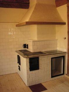 Kuchnie: Ciepły Piec -usługi zduńskie Italian Home Decor, Old Stove, Kitchen Stove, Rocket Stoves, Interior Architecture, Cottage, Wood, House, Furniture