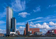 Skyline van Rotterdam op de kop van zuid met de maastoren op de achtergrond