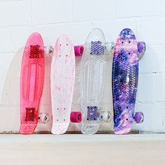Choose your favorite - Alles Styles erhältlich bei DIBSY. Skateboard «GALAXY», Skateboard «OPAQUE», Skateboard «ROSY» und Skateboard «OPINQUE». Shops, Skateboards, Your Favorite, Style, Handmade Crafts, Swag, Tents, Retail, Skateboarding