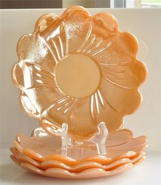 Vintage Set of 4 Fire King Glass Peach Luster Lotus Blossom Saucers Plates Antique Glassware, Vintage Kitchenware, Vintage Dishes, Vintage Pyrex, Dining Room Wall Art, Little Peach, Vintage Fire King, Vintage Pottery, Carnival Glass