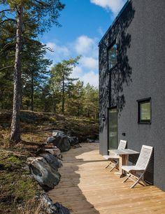 Villa Blåbär - quality architecture and beautiful nature Blog Architecture, Modern Architecture House, Landscape Architecture, Modern Houses, Beautiful Forest, Dream Home Design, House Design, Garden Stones, Deck Design