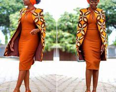 Une veste manches belle cape  Il se bloque sur votre épaule et a besoin d'aucune fixation. Entièrement doublée et fabriqués à partir de 100 % coton imprimé africain. Modèle de tissu a le mai ne pas être disponibles.  Les acheteurs devront me faire parvenir leurs Mensurations comme robe est adaptée pour l'acheteur dans son ajustement exact. Si à la hâte, l'acheteur peut m'envoyer longueur devant de corsage, buste, taille, longueur des manches et hanches. Je vous conseille de me contacter pour…