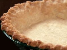 Easy Pie Crust: This fool-proof, easy pie crust recipe ensures a perfect, flaky crust every time. The trick is in the vodka! Being only most of the vodka evaporates in the baking process, meaning the crust dough gets the liquid it need to be formed, bu. Vodka Pie Crust, Low Carb Pie Crust, Easy Pie Crust, Homemade Pie Crusts, Pie Crust Recipes, Flaky Pie Crust Recipe Crisco, Shortbread Pie Crust, Best Pie Crust Recipe, Dough Recipe